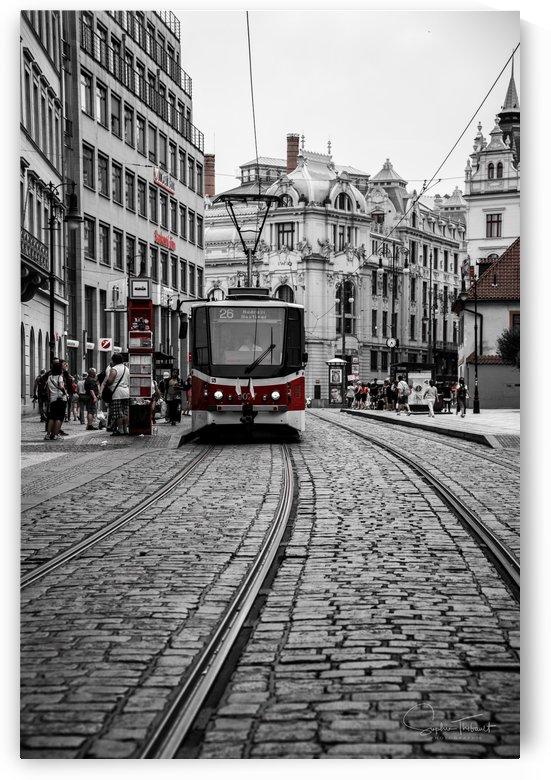 Un tramway a Prague by Sophie Thibault