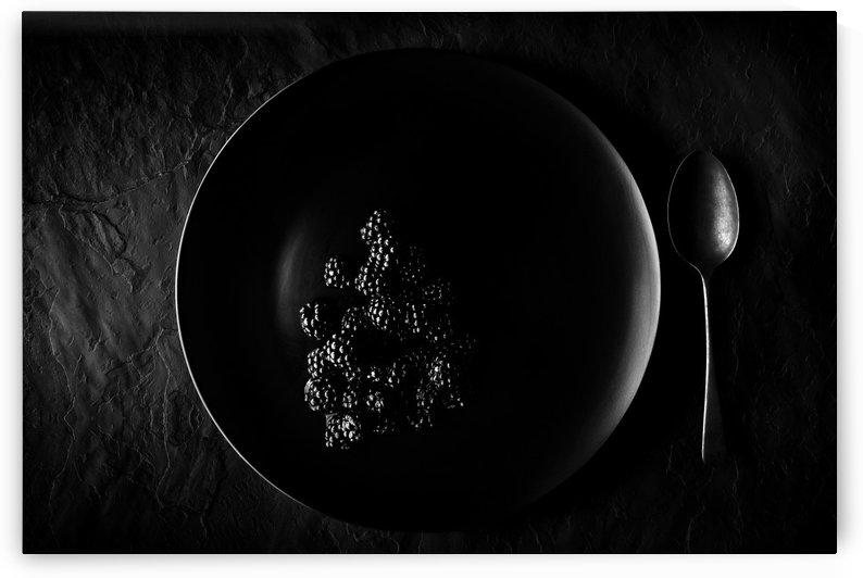 Blackberries on black plate  by Johan Swanepoel