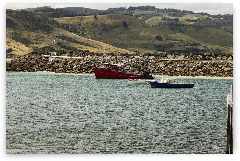 Red Boat at Apollo Bay 011142619 by Maxwell Jordan