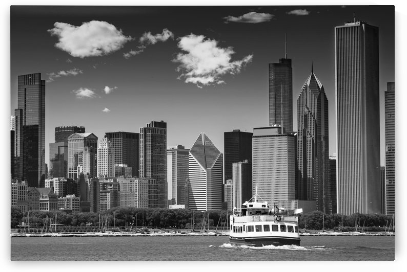 CHICAGO Skyline | Monochrome by Melanie Viola