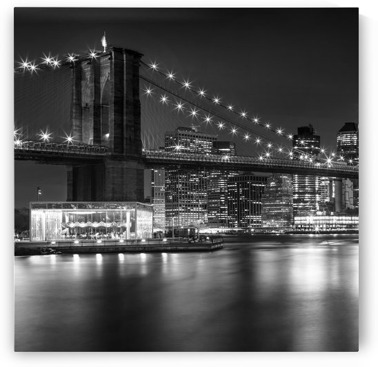 MANHATTAN SKYLINE & BROOKLYN BRIDGE Nightly Impressions | Monochrome by Melanie Viola