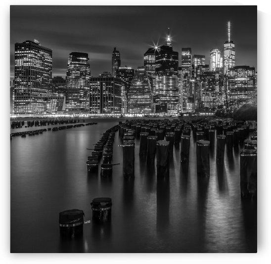 Manhattan Skyline at Sunset | Monochrome by Melanie Viola
