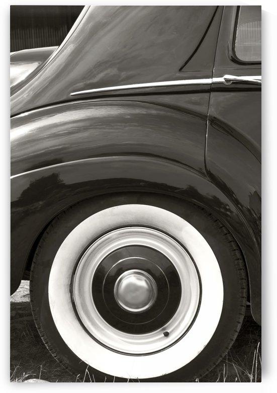 Old vehicle by Kirsten Warner
