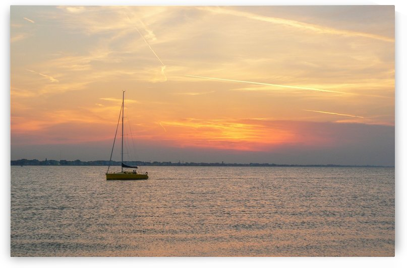 Sunset sailing by pikey_ph