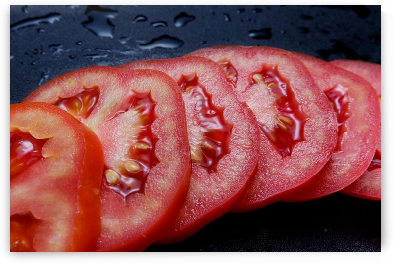 Sliced tomato by Krit of Studio OMG