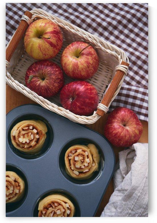 Cinnamon apple rolls by Krit of Studio OMG