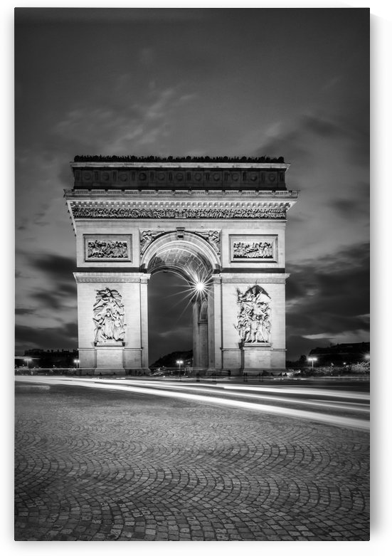 PARIS Arc de Triomphe | monochrome by Melanie Viola