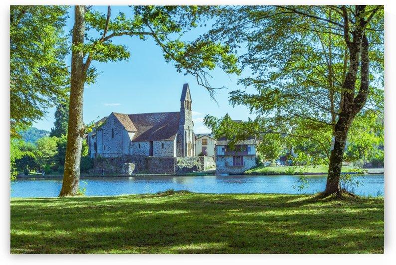 Beaulieu-sur-Dordogne by Douglas Kay