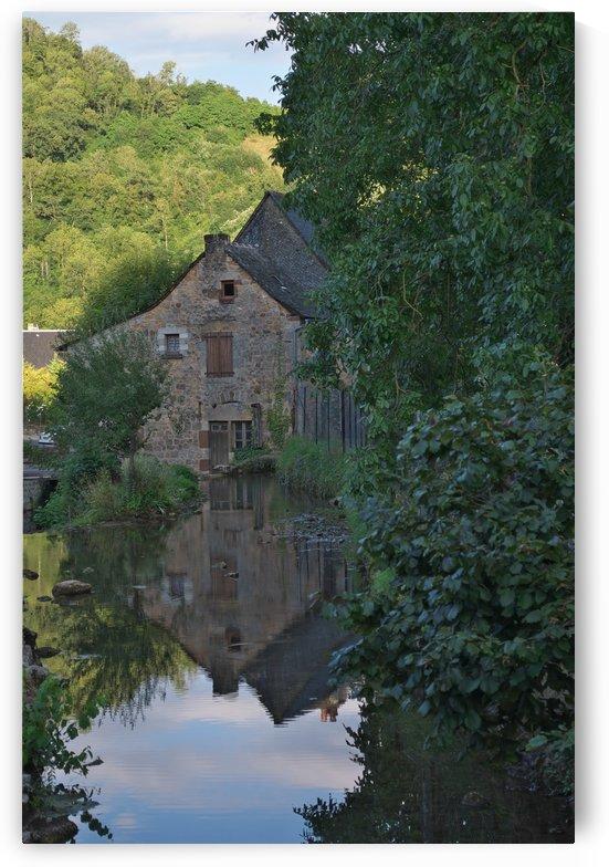 Muret-le-Chateau mill by Douglas Kay