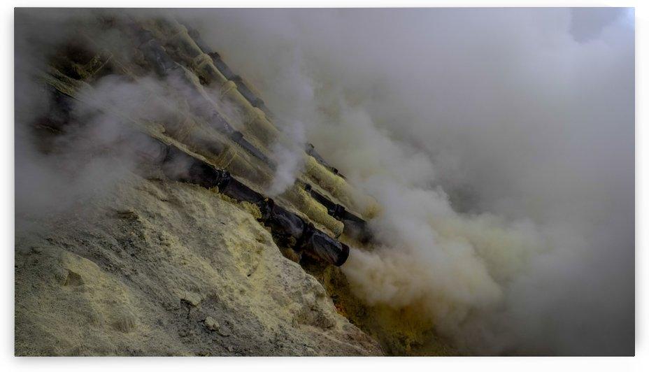Sulfur Mine at Ijen Volcano by MingChian