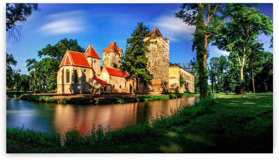 Pottendorf Castle by zoltanduray