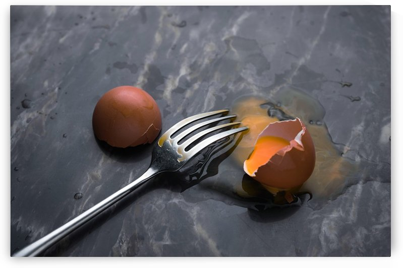 Fork and cracked egg by Krit of Studio OMG