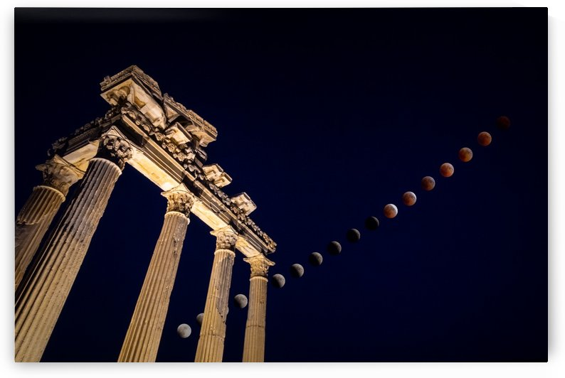 Total Lunar Eclipse over the Apollo Temple in Side Turkey by zoltanduray