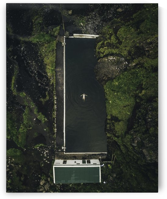 Hidden Icelandic Hot Springs  by Luke Barrett Visuals
