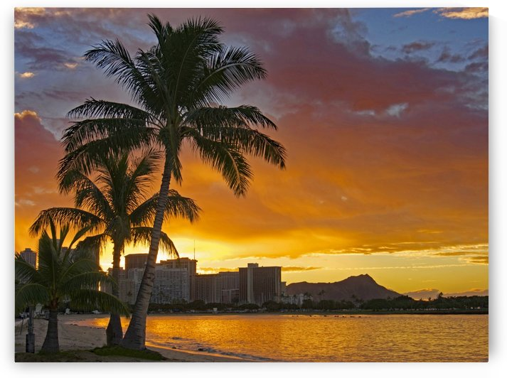 Waikiki sunrise by Asia Visions Photography