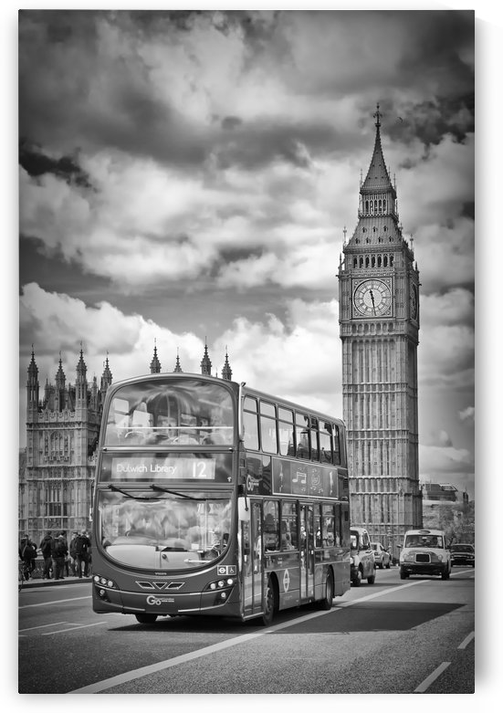 LONDON Houses of Parliament and traffic by Melanie Viola