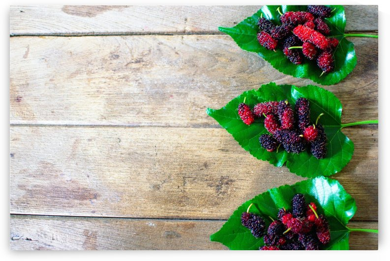 Berry fruit. by Piyathida