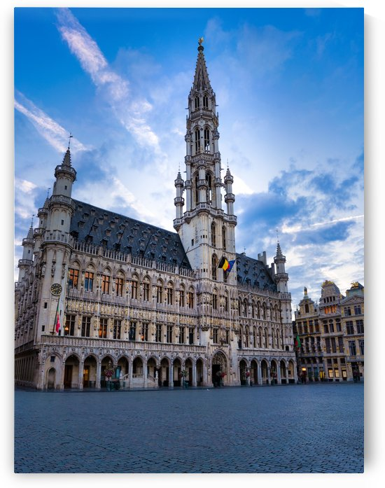 Grand Place in Brussels by zoltanduray