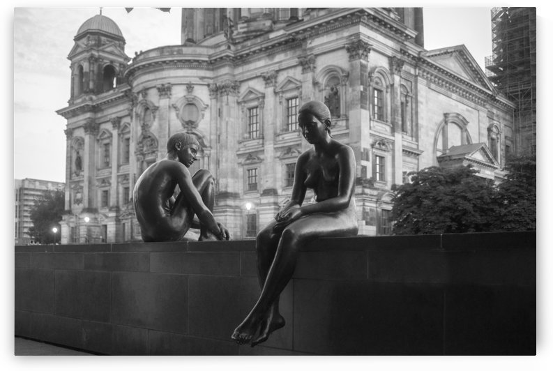 sculpture of a girl and a boy in Berlin by Tovstyzhenko Andrii