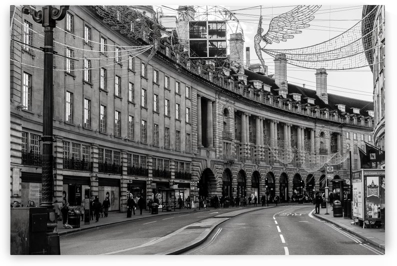Piccadilly Circus  by vincenzo