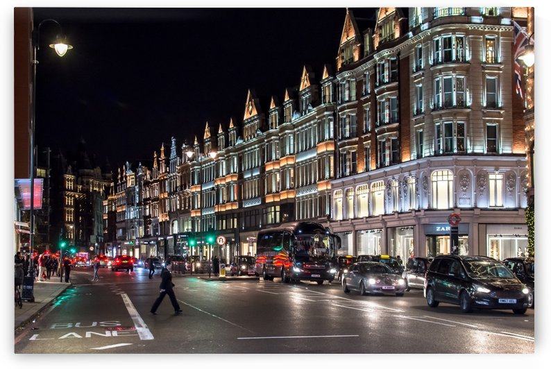 London Night  by vincenzo