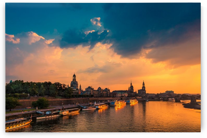 DRESDEN 02 by Tom Uhlenberg