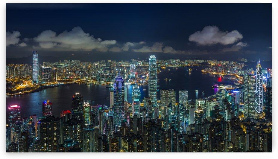 HONG KONG 32 by Tom Uhlenberg