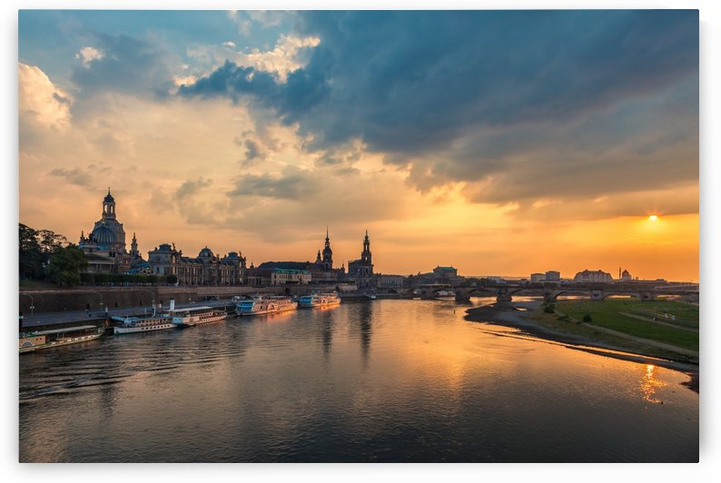DRESDEN 08 by Tom Uhlenberg