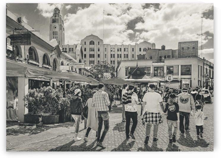Mercado del Puerto, Montevideo, Uruguay by Daniel Ferreia Leites Ciccarino