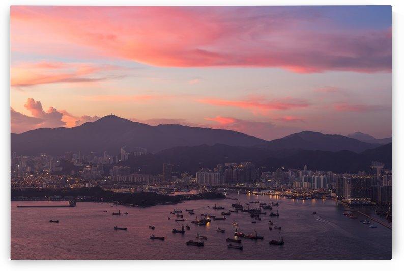 HONG KONG 05 by Tom Uhlenberg