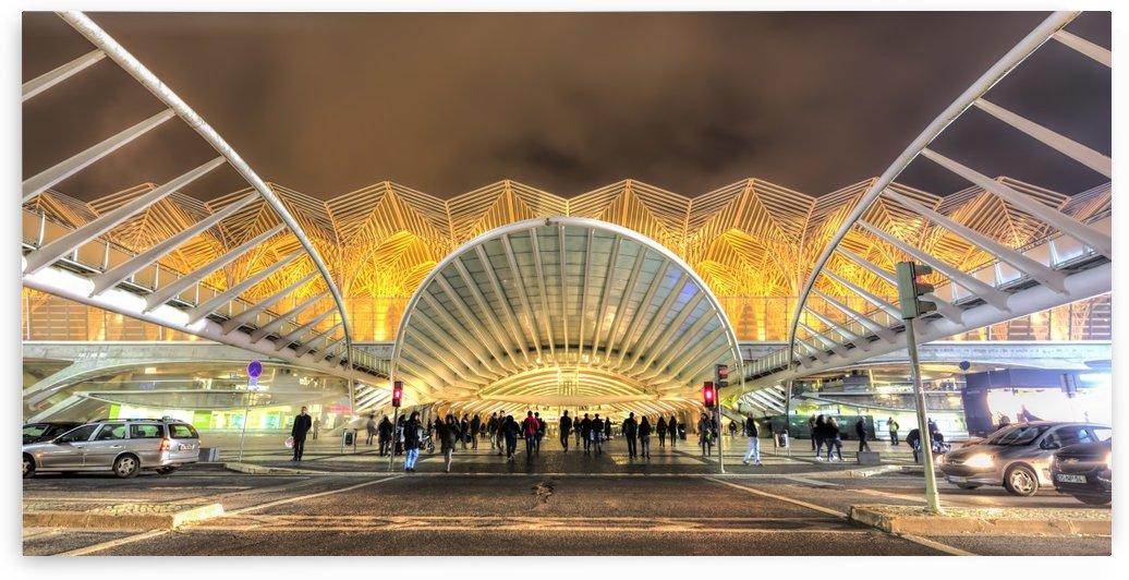 Oriente Station by Alex Galiano