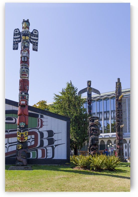 Totem Poles in Thunderbird Park Victoria BC 16 by Bob Corson