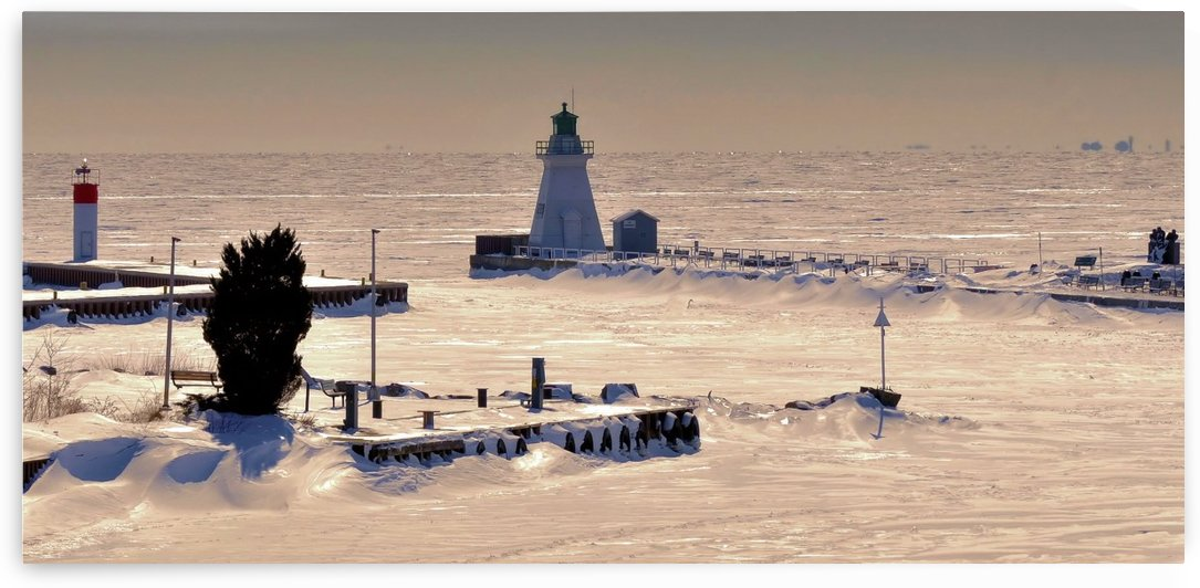 Wintery Port dover scene. by Tracy Bennett