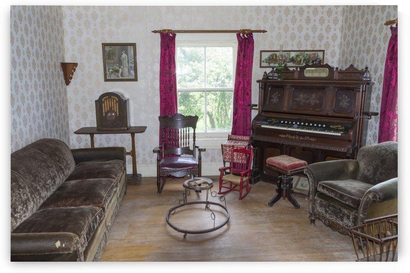 Thomas Organ and piano Company organ by Bob Corson