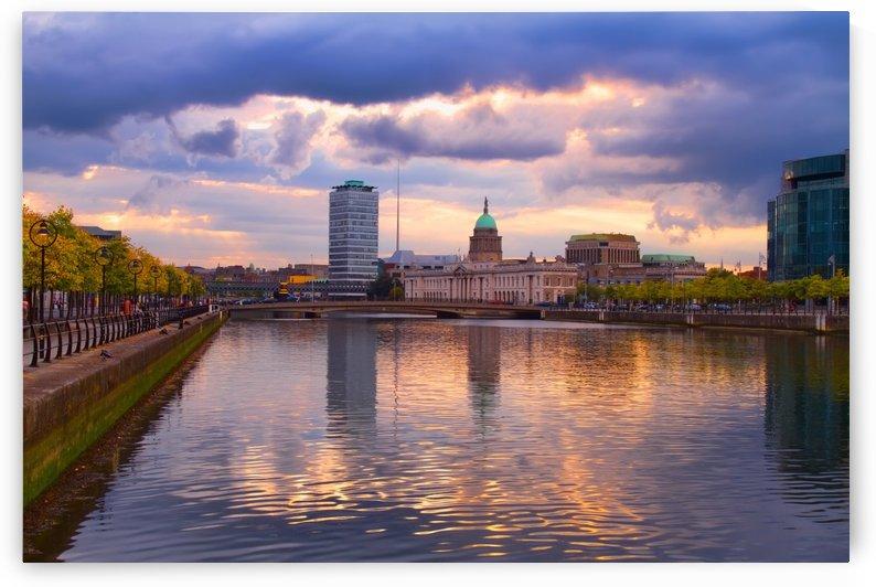 D 227 River Liffey by Michael Walsh