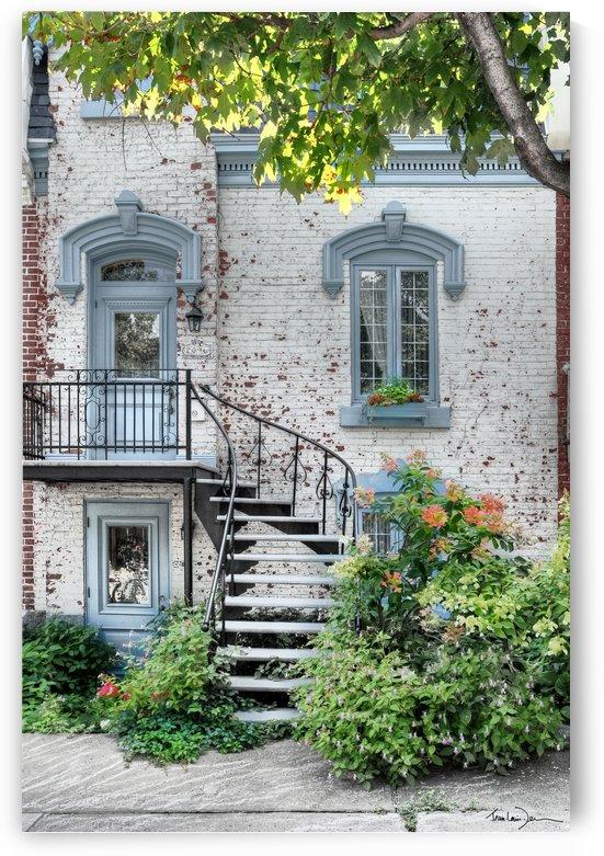 Montréal  -  Rue St André   by Jean-Louis Desrosiers