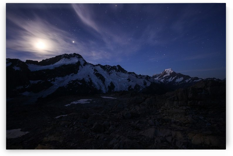 Mount cook by night by Roman Buchhofer
