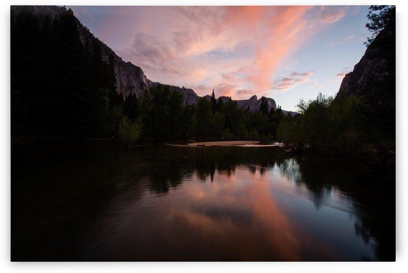 Yosemite reflections by Roman Buchhofer