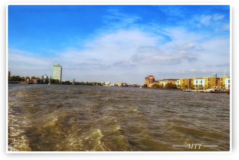 Thames water bank 2 by MTT
