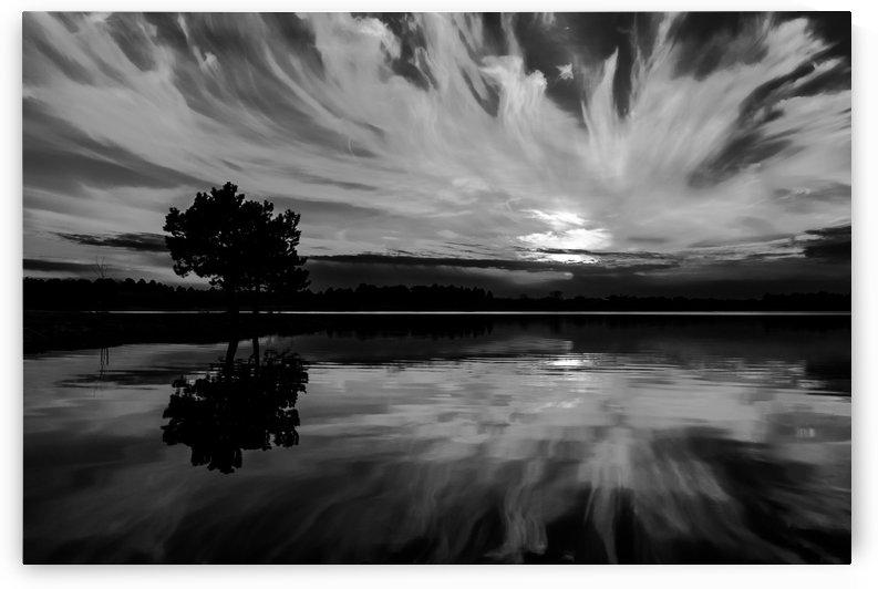 Double Wispy Sunset by Garald Horst