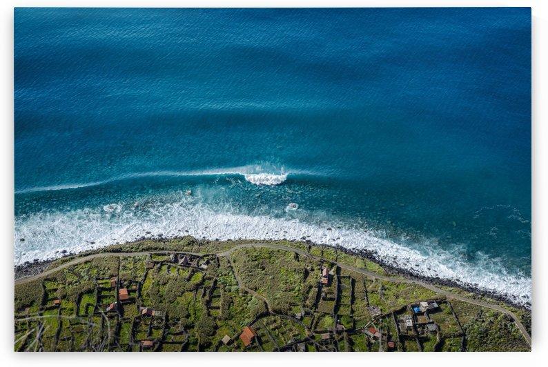 Crushing waves  by Marko Radovanovic