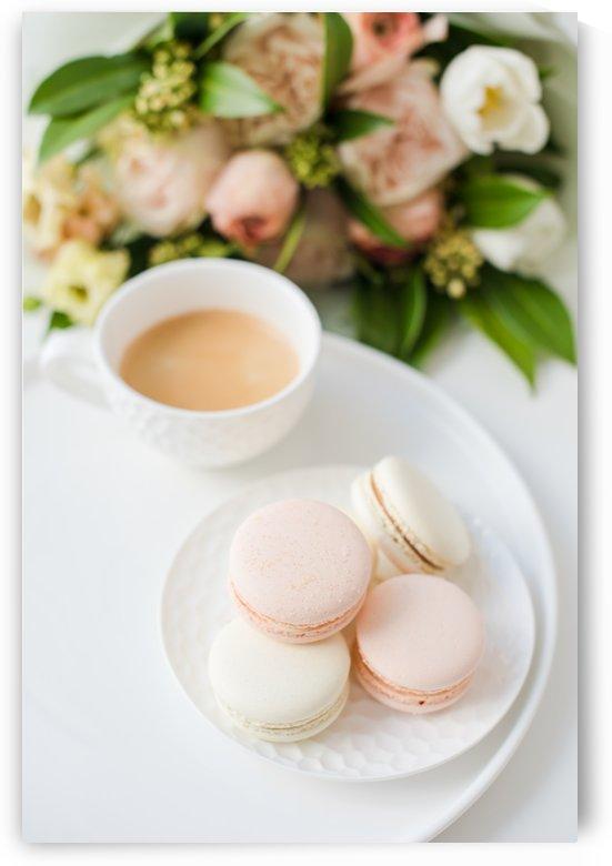 Pink macarons by Daria Minaeva