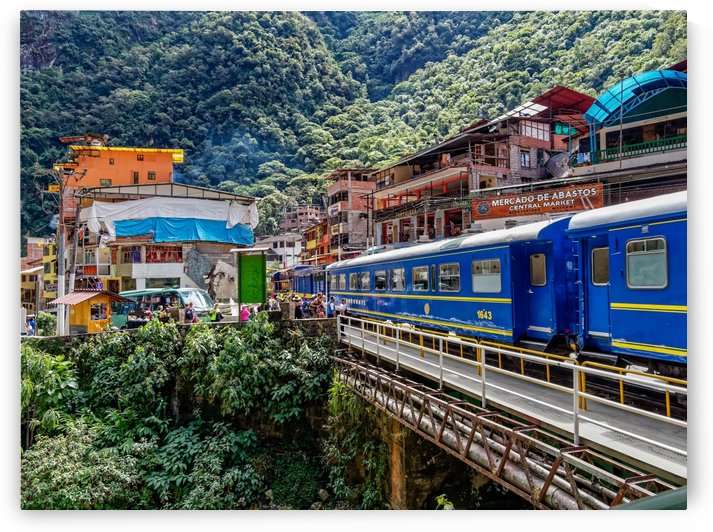 Train Stop Sacred Valley- Machu Picchu  Aguascalientes Peru by Pedro Orso