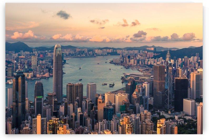 HONG KONG 19 by Tom Uhlenberg