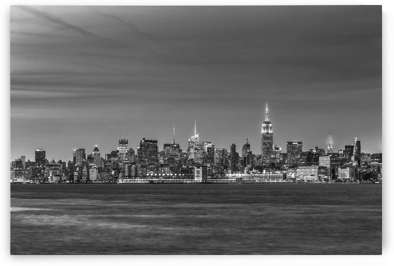 NEW YORK CITY 24 by Tom Uhlenberg