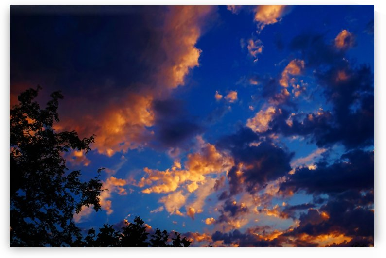 Sky and Cloudscape 02 by Richard Vloemans Macro Photography