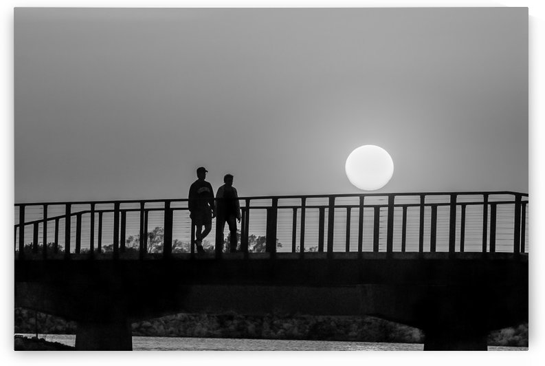 Sunset Stroll. BW by Garald Horst