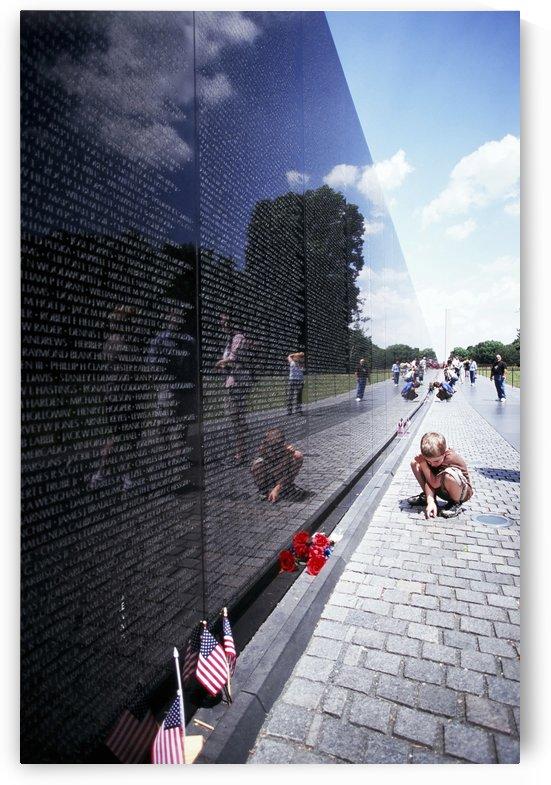 Vietnam memorial 2008 by Atelier Knox