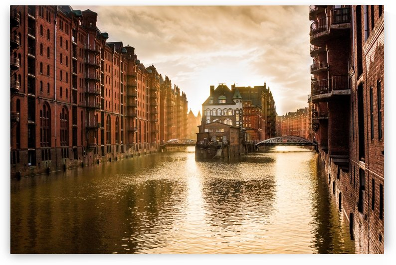 hamburg speicherstadt channel by Shamudy