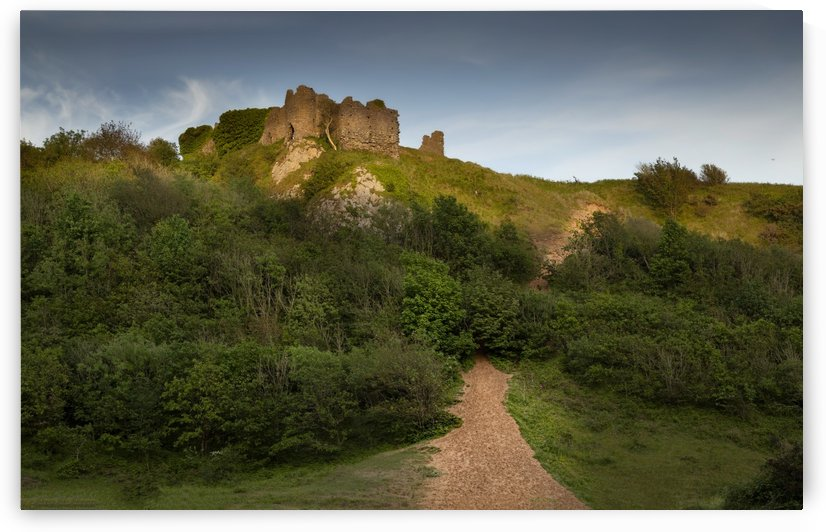 The ruins of Pennard Castle by Leighton Collins
